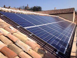 pannelli fotovoltaico sul tetto a coppi elettrosistemi